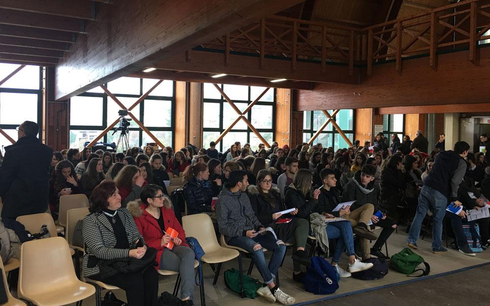 the-cooperative-factory-convegno-potenza-4-alessandro-martemucci-officinae-agenzia-lean-digital-marketing-management-campagne-social-comunicazione-school-formazione-matera-milano