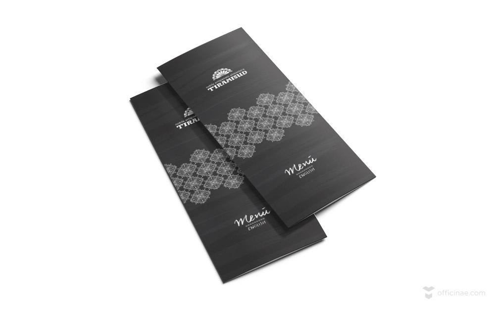 Tri-Fold-Brochure-Mockup-officinae-agenzia-lean-digital-marketing-management-comunicazione-school-scuola-formazione-matera-basilicata-milano